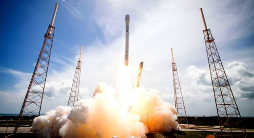 SpaceX launches 10 satellites for Iridium mobile network